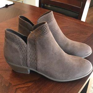 Old Navy women's gray booties with 1.5 inch heel